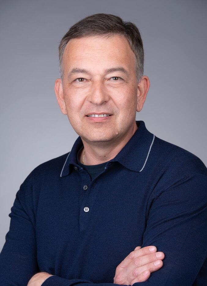 Алексей Горячкин Вице-президент по закупкам и административным вопросам